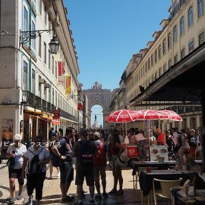 ランチ後、リスボンの玄関口「コルメシオ広場」へ