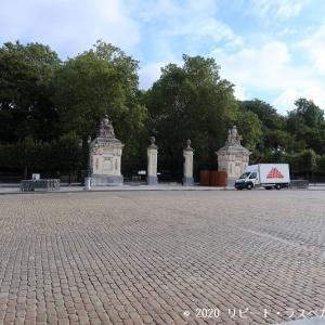 夏の間だけ公開されるベルギーの王宮は必見です