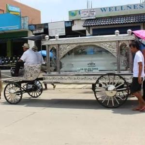 フィリピン流の葬儀と墓