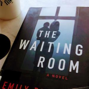 """読書  """"The Waiting Room""""待合室にて"""