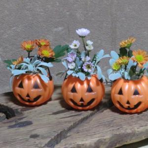活花でハロウィンを楽しむ」