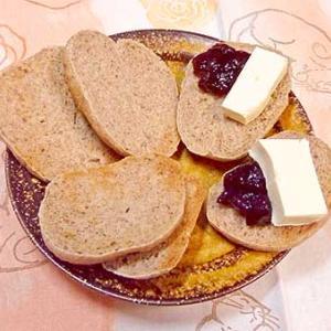 雪の日のライ麦パン