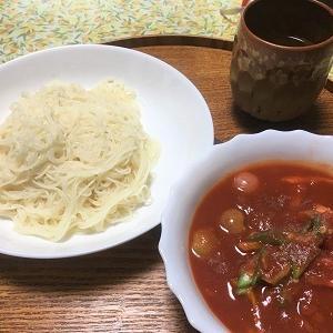 昨日の昼食 庭の野菜の冷製トマトスープ素麺