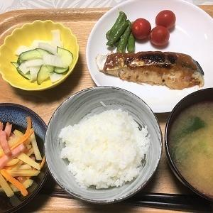 昨日の夕食 改良したサワラの味噌マヨネーズ焼きなど