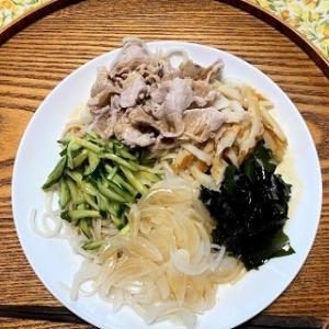今日の昼食 ゴマダレ冷やし中華風糖質0麺