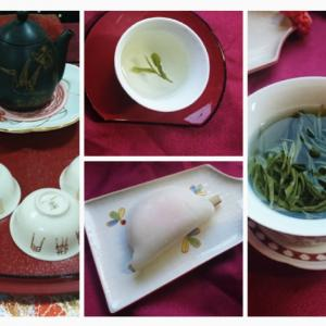 安吉白茶と花びら餅