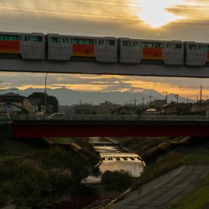 夕陽と富士山…、は雲多め