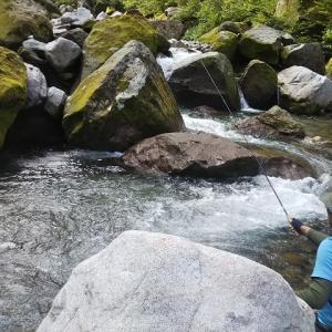 盛夏、渓流釣り&谷川俊太郎