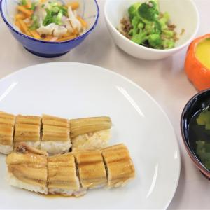 穴子の棒寿司は、生からの煮穴子が美味しい♪先月の料理教室より。