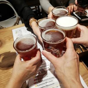 本題はまだ。東京の夜はクラフトビールで。