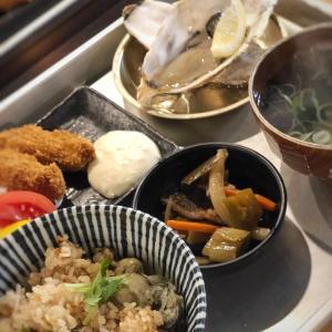 カキフライ・生牡蠣・かき汁付き!かき飯DXセット@かき小屋 飛梅 (神田)