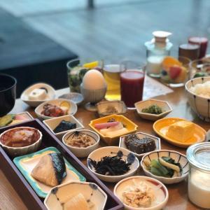 朝風呂の後に小鉢・小皿のビュッフェが素晴らしい朝食@日本橋浅田 (新日本橋)