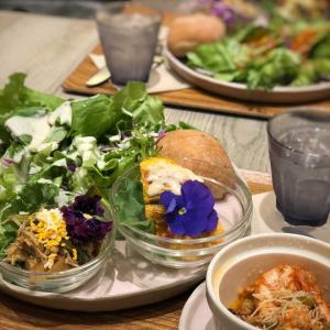 ハワイアンカフェで3種のデリとサラダセット@アロハサラダカフェ (六本木一丁目)
