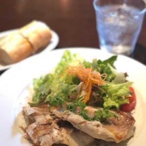 シーフード専門スパニッシュで一番人気のお魚プレートランチ@マリスケリア ソル (六本木一丁目)