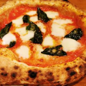 旨いワインと料理を楽しめるピザ百名店「quarto」