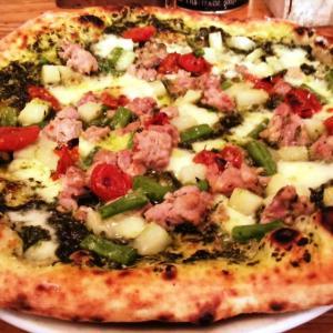ピザ百名店「築地トゥットベーネ」で晩夏のピッツァ!
