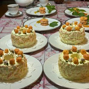 凄すぎる~‼︎と唸るケーキがあるのですッ!生徒さん、イタリアンメレンゲの風船が出来て感動したっ!