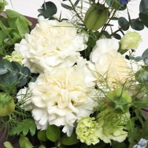 ♡ピュアな白いお花のアレンジメント♡