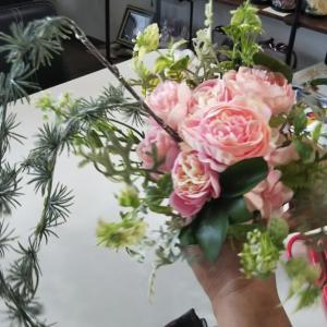♡淡いピンクのアーティフィシャルフラワー(高級造花)でつくるブーケ♡