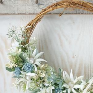 夏のアーティフィシャルフラワーレッスン 『ハーフリース』 その5  お花の位置は下でも可愛いです