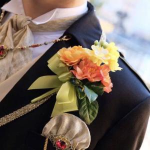 花嫁様からのお写真が届きました♪ グリーンのドレスに映えていて、嬉しいです!