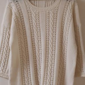 オフホワイトのセーター完成