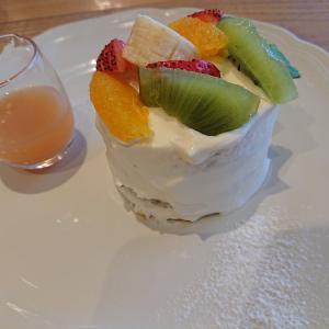 【Afternoon Tearoom アフタヌーンティールーム】でアフタヌーンティー40周年記念 「スイートフルーツティーのショートケーキ」を