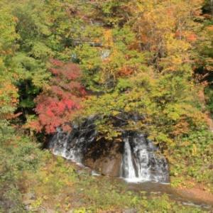 紅葉jの旅4)恵庭渓谷・三段の滝
