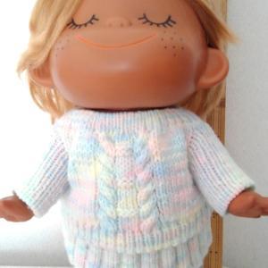 また、亜土ちゃんのセーターを編みました。。。♪♪