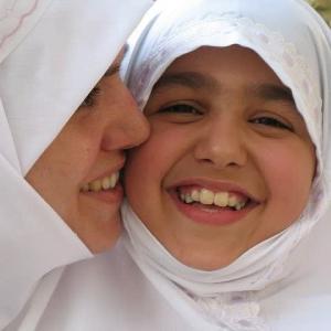 続)ムスリムの子ども教育-35-思春期の女の子の教育について~預言者様(彼の上にアッラーの祝福と平安あれ)の娘への愛情