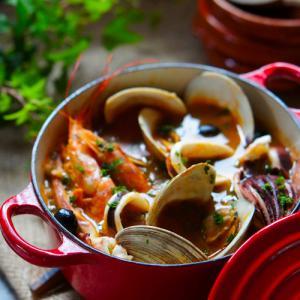 体に染みる美味しさ♪魚介のお米入りのサフランスープ