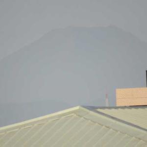 薄っすら富士山