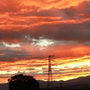 爆焼けの朝の空。