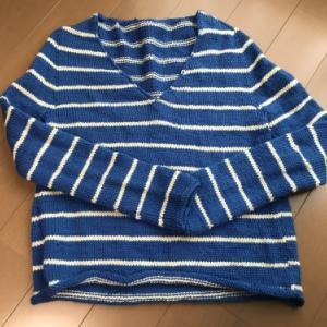 【完成したもの】トップダウンのVネックセーター