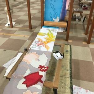 着物染織科の学生が10月6日(日)JR奈良駅前クラフト市「奈良ノ空カラ」に出店します。