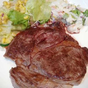 アンガス黒牛かたロースステーキでプワァ♪