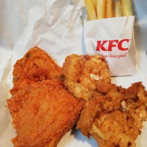 ケンタッキーフライドチキン【レッドホットチキン食べくらべ4ピースパックでプファ~♪】
