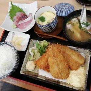 海鮮酒場 いえもん【本日の魚料理定食:アジとイサキのフライ♪】