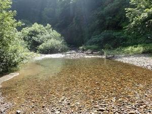 鳩塩の滝(はつしおのたき)