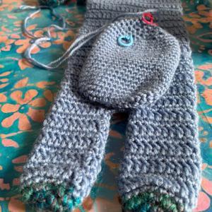 アニマルマフラーとまつ編みの帽子