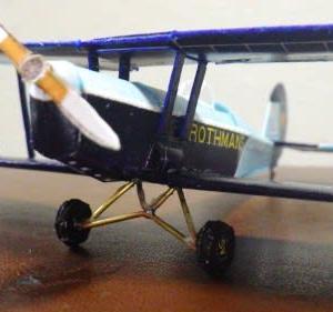 フリーのペーパクラフト-複葉機SV-4C-Rothmansを作ってみる-その3