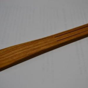 木製トングを戴いたり湯沸かし器の取り付けを治したり