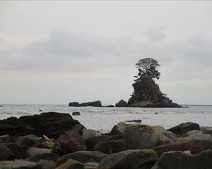 富山県のパワースポット 雨晴海岸にて 立山連峰を眺める会 結成☆
