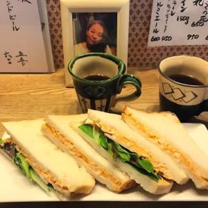 玉子サンドとミックスリーフレタス鶏ハム玉子サンド