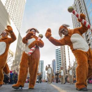 トロントの朝 11月17日 サンタが街にやってきた!?