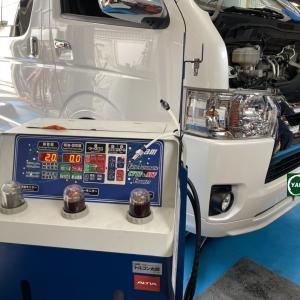 200系トヨタハイエ-ス 乗り心地改善ふらつき改善 オ-リンズショックアブソ-バ-交換 茨城より