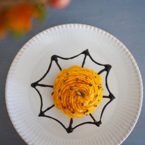 10月のデザート(かぼちゃと柿のモンブラン)。。。