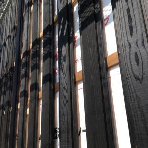 外壁−カラマツの羽目板張り