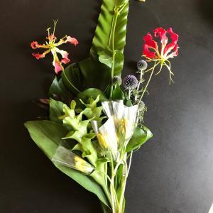 コロナで花教室休講のかわりに花束のお届け