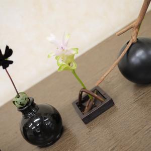 小さな花28 (花くばり)